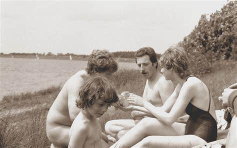 Vintage Cfnm Swimming Bobs And Vagene