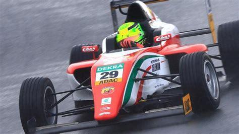 Racing is a state of mind. Motorsport: Mick Schumacher beim deutschen Formel-4 ...