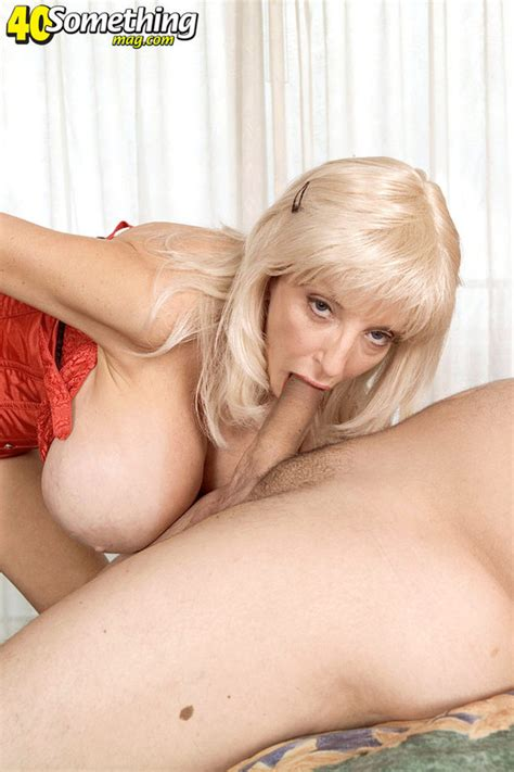 Coonymilfs Dee Dee Deluxx From 40 Something Mag Milf