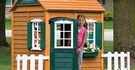 30% Off Playsets & Playhouses