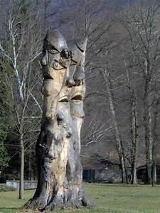 Comment Creuser Un Tronc D Arbre : une grande sculpture avec un tronc d 39 arbre ~ Melissatoandfro.com Idées de Décoration