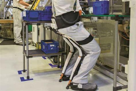 in den boden ableiten exoskelette im arbeitsalltag
