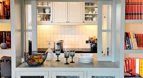 cuisine avec passe plat cuisine ouverte fenêtre et passe plats démonstration