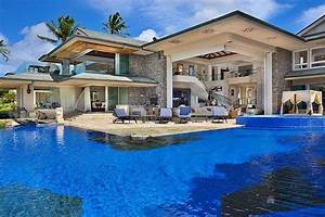 Amazing homes with incredible swimming pool designs