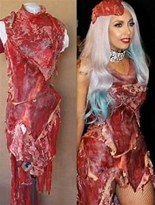 mtv video awardla robe en viande provocante de lady gaga With robe de viande lady gaga