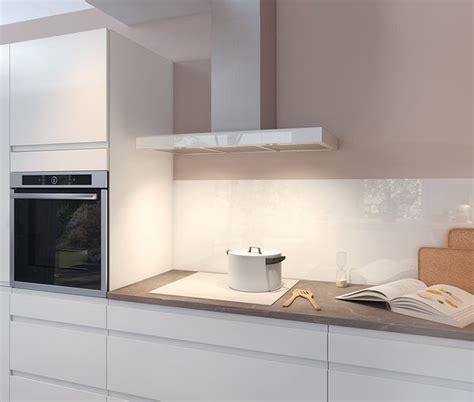facade porte cuisine sur mesure cuisine moderne blanche au design sans poignée ambiance
