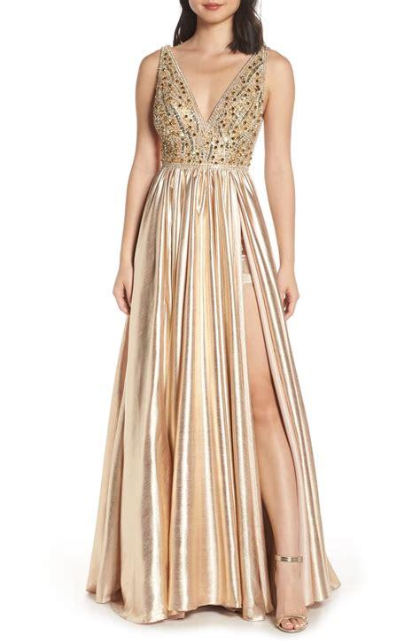 Shop mac duggal prom dresses at promgirl. Mac Duggal V-Neck Metallic Sequin Evening Dress in 2020 ...