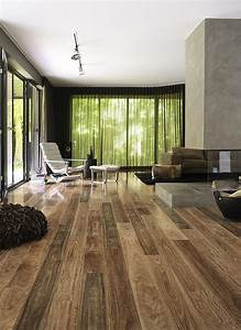 How to clean laminate wood floors the easy way decor advisor for Pictures of laminate flooring in living rooms