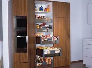 Armoire Rangement Cuisine : colonne de rangement elle se dresse pour une conomie d 39 espace ~ Teatrodelosmanantiales.com Idées de Décoration