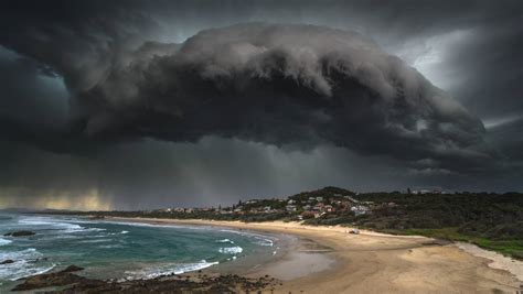 storm port macquarie beach storms weather rain severe lighthouse amazing ocean coast thick cloud shot hills mid north named regions