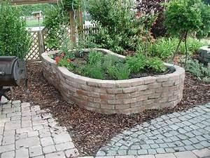 Hochbeet Im Garten : hochbeet aus steinen google suche garden pinterest garten and gardens ~ Whattoseeinmadrid.com Haus und Dekorationen