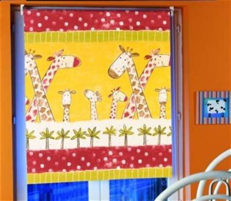 store pour chambre store rouleau occultant décoratif pour chambre enfants