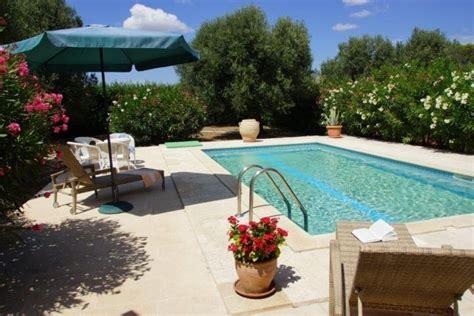 der private und uneinsehbare pool ferienhaus italien