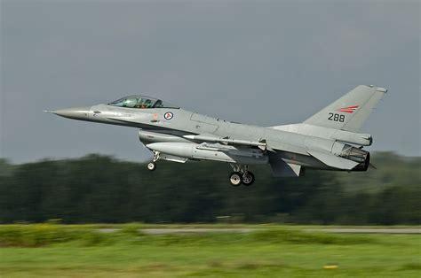 F-16A Fighting Falcon | Drive&Fly Model Club Modena