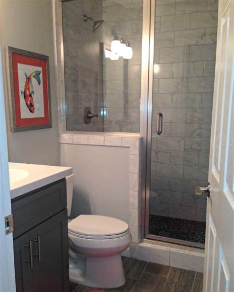transitional bathroom  ceramic tile  stand