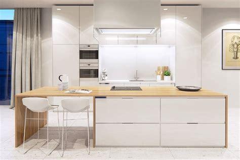 cuisine blanc laqué deco cuisine blanc et bois chaios com
