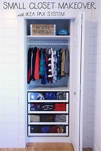Ikea Pax System : small reach in closet makeover with ikea pax the happy housie ~ Buech-reservation.com Haus und Dekorationen