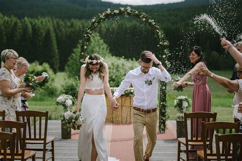 Ucesy s vencem jemne a krasne. Svatební kytice na míru, květinové dekorace - Klára Uhlířová