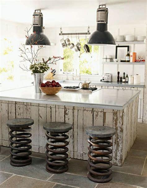 cuisine moderne ilot central le tabouret de bar industriel apporte une touche déco dans l 39 intérieur archzine fr