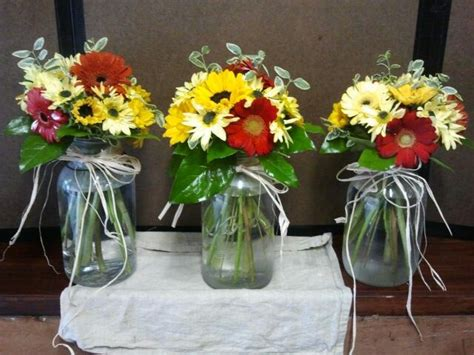 Rustic Wedding Dinner Ideas : Rustic Bright Mason Jar Centerpieced For Country Themed