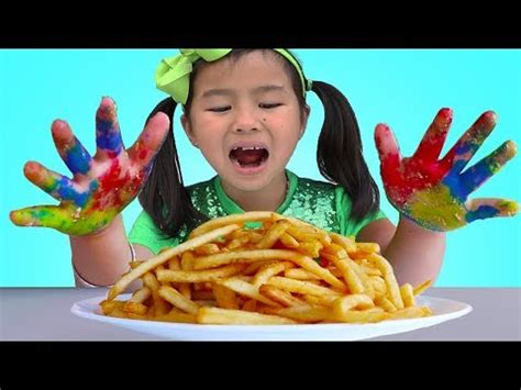 Johny Johny Yes Papa  Jannie & Wendy Pretend Play Wash