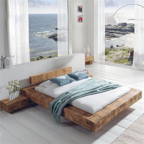 cocktail scandinave chambre b le grand lit poutre en pin massif aux lignes épurées