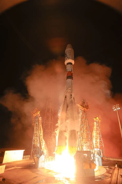 Launch photographs   Gaia in the UK