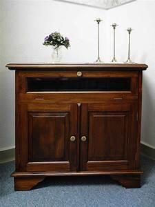 Schreibtisch Im Schrank Verstecken : tv schrank mit t ren inspirierendes design f r wohnm bel ~ Markanthonyermac.com Haus und Dekorationen