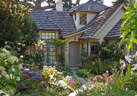 what is a cottage garden the cottage garden at 5 casanova st once upon a time tales from carmel by the sea