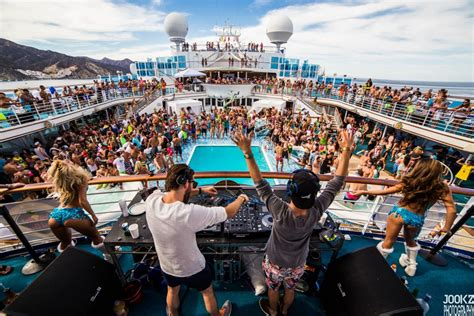 Ship Football by Spring Break Cruise With College Football Players Points