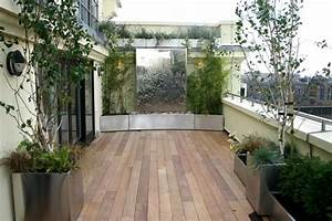 brise vue balcon en quelques idees interessantes With amenagement terrasse exterieure appartement 5 bambou en pot brise vue naturel et deco sur la terrasse