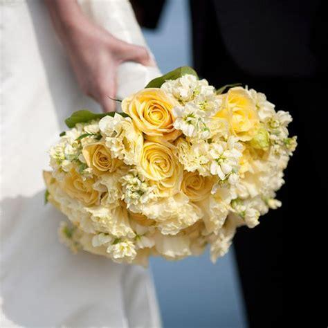 wedding ideas  color yellow wedding bouquet idea
