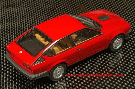 alfetta gtv   alfa romeo model car