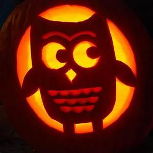 Cute owl pumpkin 10 cute pumpkin carving patterns ideas for Pumpkin carving ideas owls