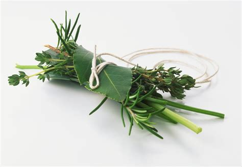 bouquet garni cuisine what is a bouquet garni and how is it used
