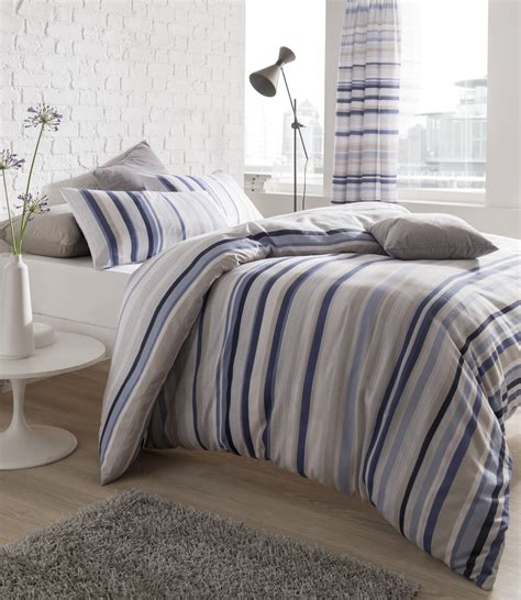 Blue & Grey Knitted Stripe Quilt Set Catherine Lansfield