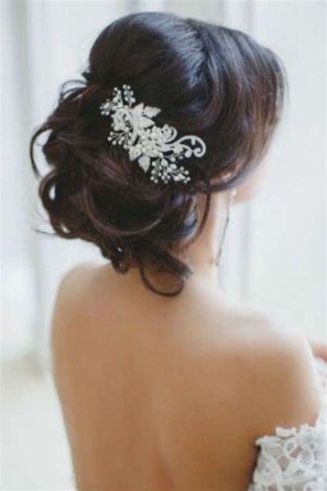 coiffure simple pour mariage chignon coiffure mariage chignon de mariage bas avec une broche