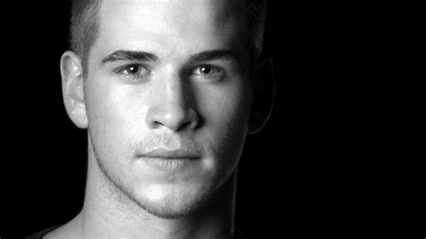 Pics For Andgt Liam Hemsworth Black And White