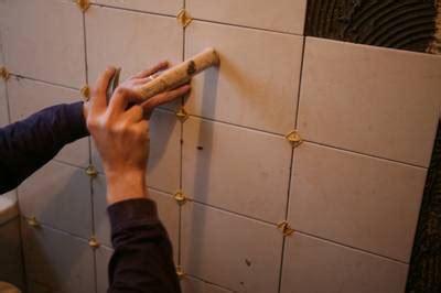 comment poser du carrelage mural cuisine poser du carrelage mural pratique fr