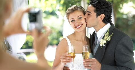 foto foto pre wedding 4 tricks to keep wedding costs low