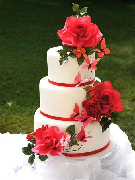 hochzeits torte rote rosen auf jade