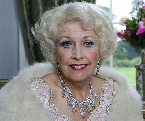 actress kate reid dame barbara cartland biography birth date birth place
