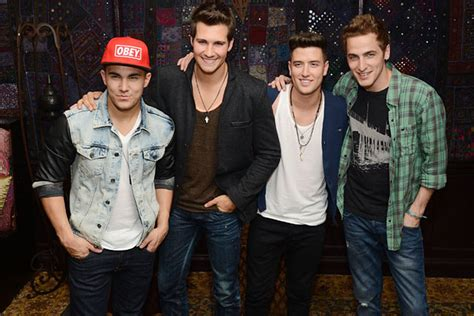 One day kendall knight, james diamond, carlos garcia and logan mitchell were just playing hockey and trying to pass math, and the next they're on their way to l.a. Big Time Rush GIFs - Weekly Motion Picture Collection