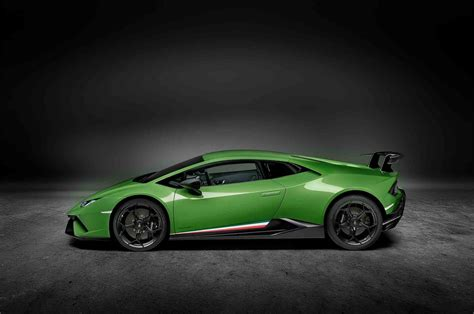 Lamborghini Huracan Performante Revealed, Delivers 640 Hp