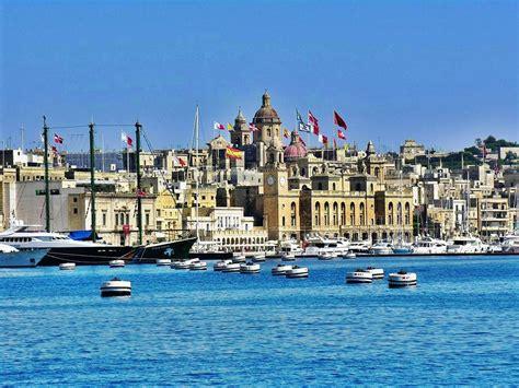 valletta malta beautiful city  baroque architecture