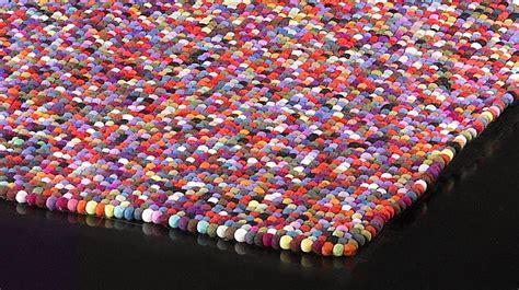 tapis  boules de laine multicolores tapis laine haut de gamme