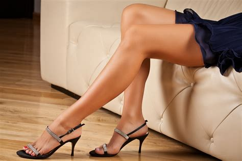 Shoes With Sex Appeal Why Women In High Heels Make Men Weak In The Knees