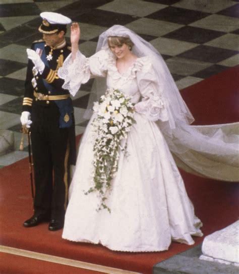 original sketch  princess dianas wedding dress