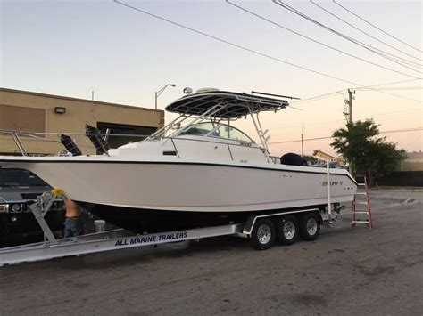 Used Fishing Boat With Cabin by 1998 Used Century 3000 Sport Cabin Saltwater Fishing Boat