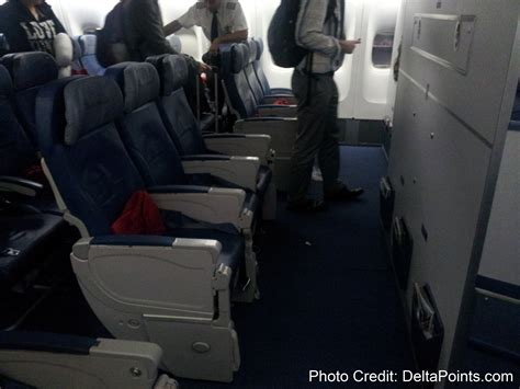 delta comfort class delta walks away from dubai throws toys out of its pram